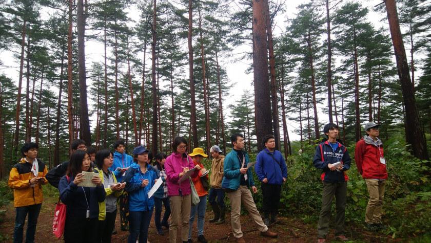 若手林業ビジネスサミット。現地見学の様子
