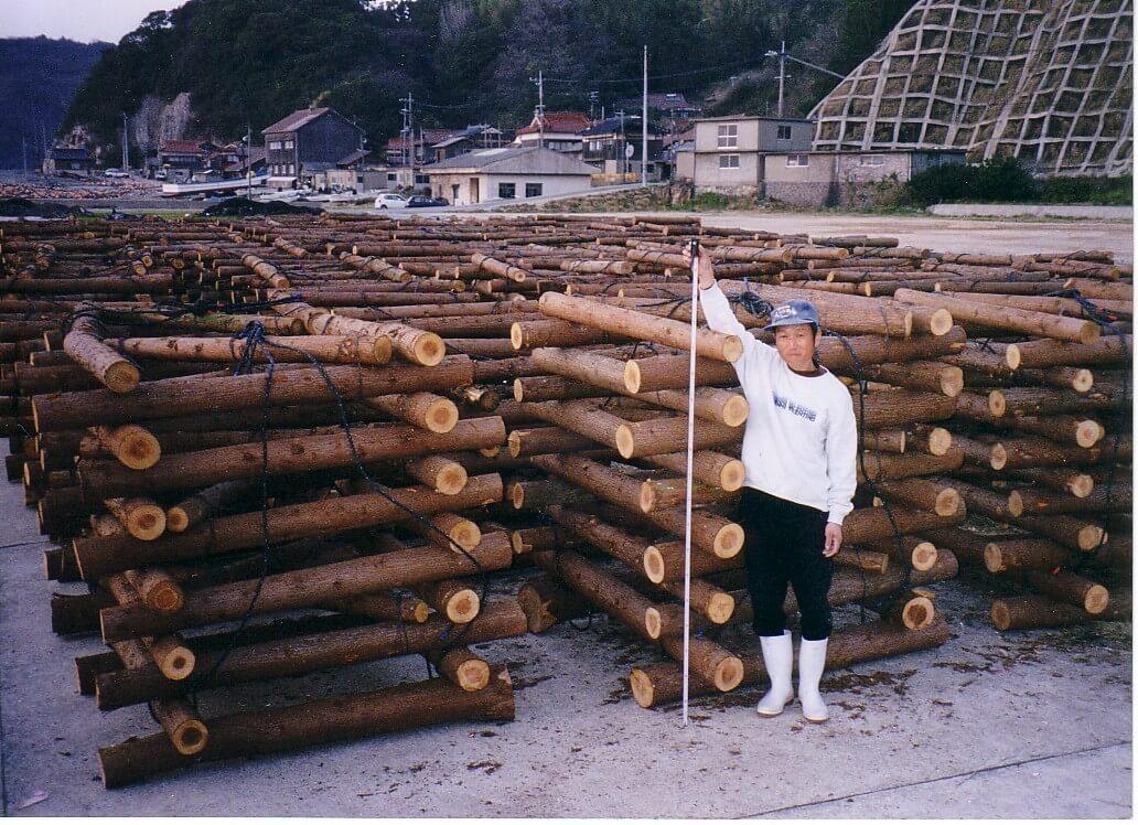 間伐材魚礁は阿武町が発祥。林業従事者と漁師が協力して実現。