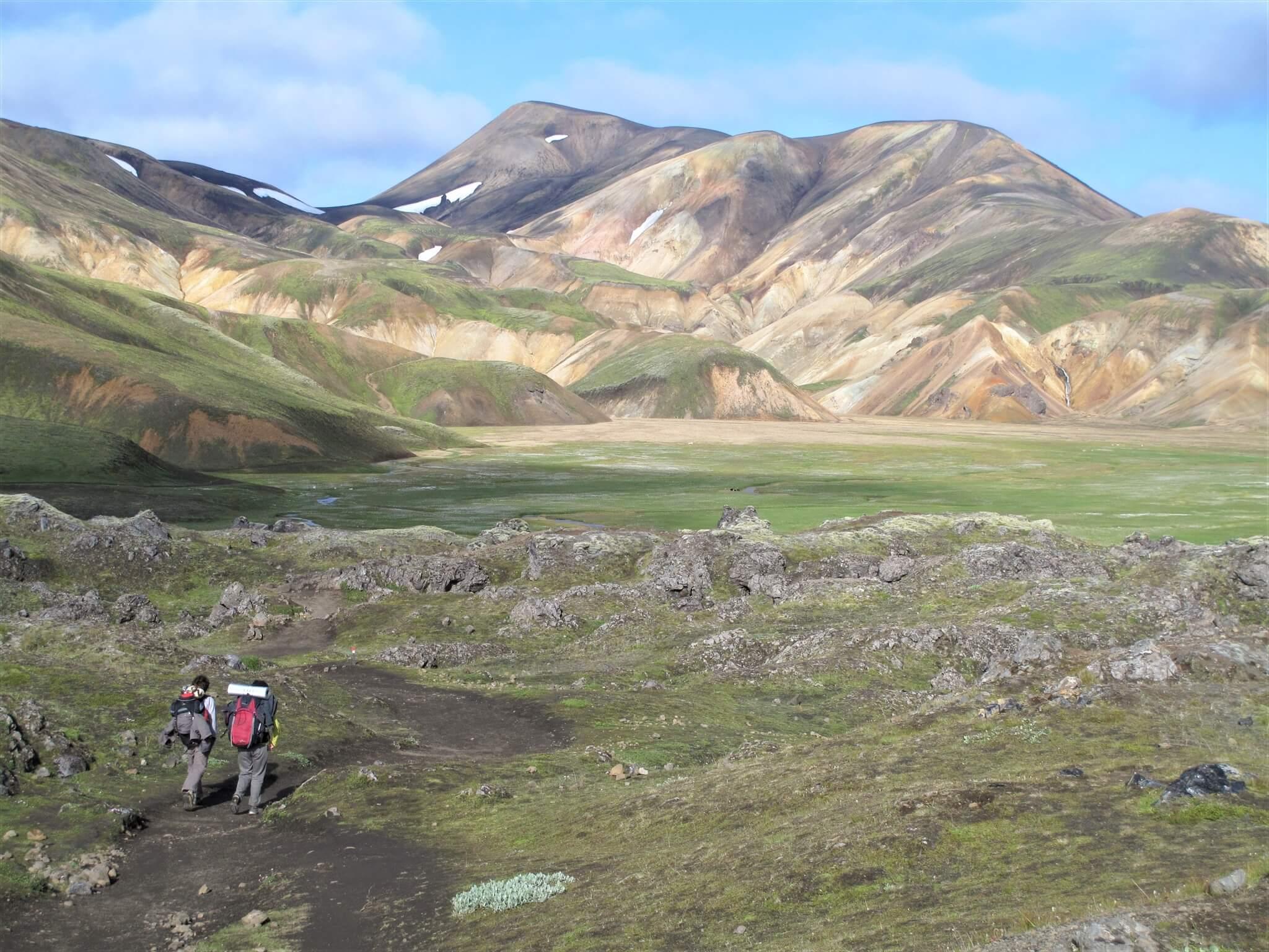 アイスランドの「ロイガヴェーグルトレイル」の風景